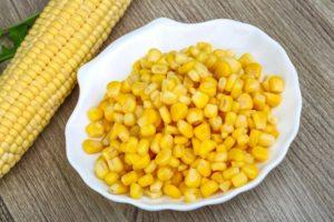 Вареная кукуруза в початках польза и вред