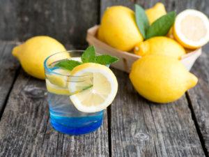 Вода с лимоном по утрам вред и польза