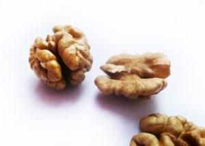 Польза и вред грецких орехов для мужчин