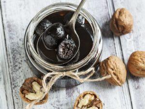 Вред и польза варенья из грецких орехов