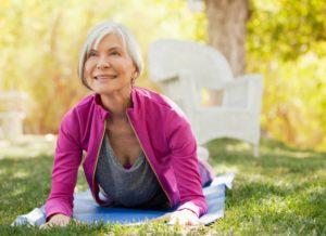 Йога польза и вред для женщин после 50 лет
