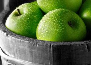 Зеленые яблоки вред и польза и вред