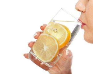Вода с лимоном натощак утром польза и вред