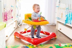 Ходунки для детей с какого возраста польза или вред комаровский