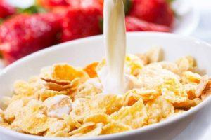 Хлопья с молоком на завтрак польза и вред