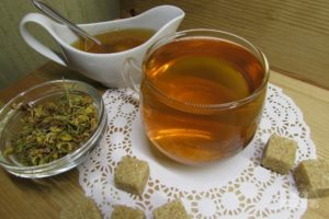 Чай с зверобоем польза и вред для женщин