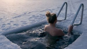 Купание в холодной воде польза и вред для женщин