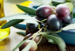 Оливки и маслины в чем польза и вред