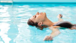 Плавание для женщин польза и вред