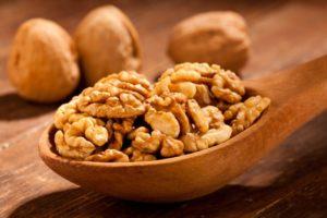 Грецкий орех польза и вред для детей