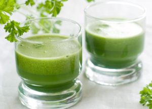 Сок из листьев петрушки польза и вред