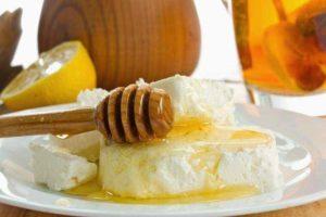 Творог с медом на ночь польза и вред