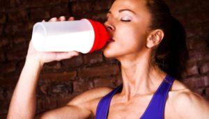 Польза и вред протеиновых коктейлей для женщин