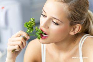 Польза и вред кориандра для организма женщины